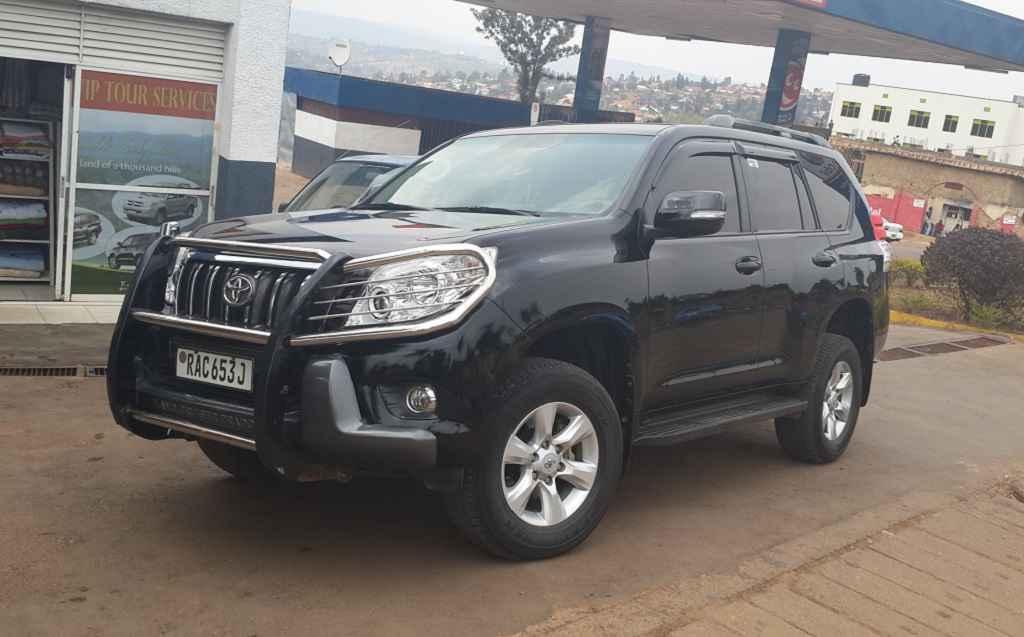 hire a car Rwanda